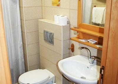 gaestehaus-06-badezimmer